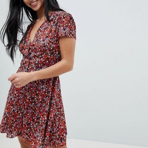 Glamorous Petite Red Floral Dress